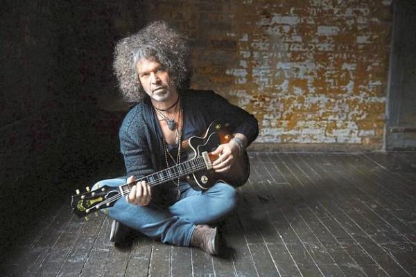 Doyle Bramhall II: Ein Juwel an der Gitarre